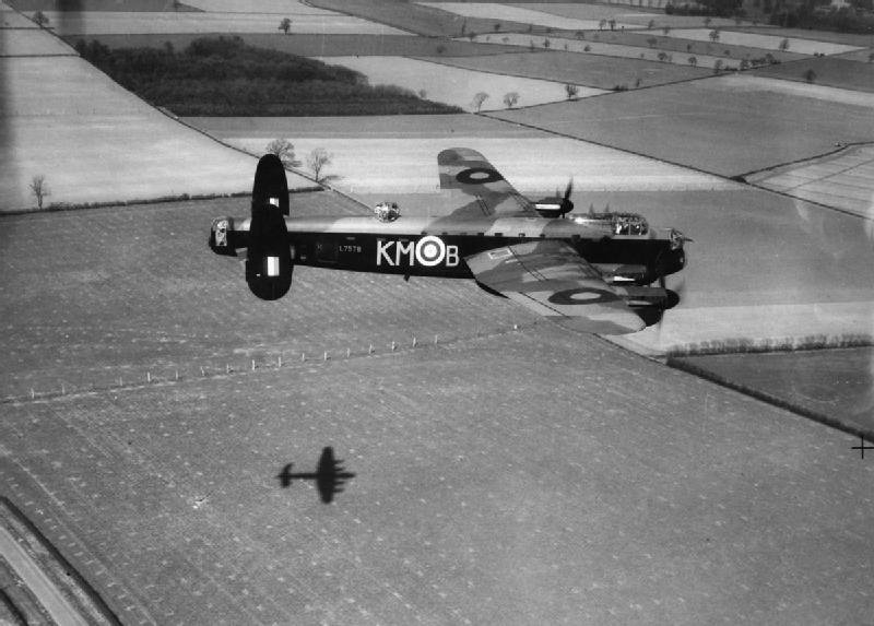 low-level-lancaster-aircraft.jpg