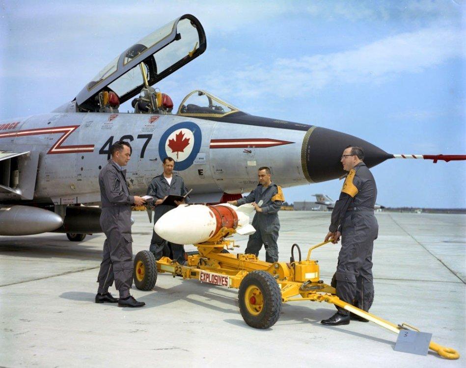McDonnell-CF-101-Voodoo--Genie-Missile--CFB-Chatham--NB--MIKAN-No--4014845.thumb.jpg.1790aefe7eec2326931d952c3f232c8a.jpg