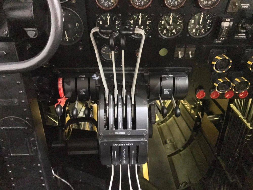 cockpit4.jpg