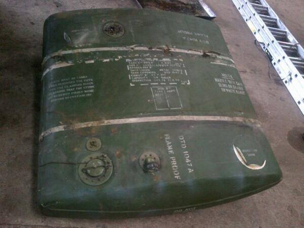 374906776_fueltank.jpg.5751750863252fd989e8b4889dd875e3.jpg