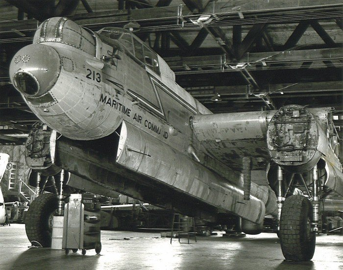 Lancaster213.jpg.5bbf7c0239b0c6ba66b5aed25a0f6aca.jpg