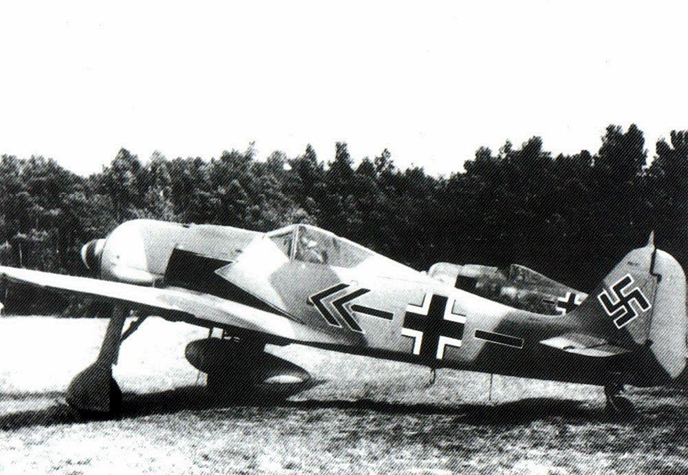 1480675865_Focke-Wulf-Fw-190A8-JG2-((-Kurt-Buhlingen-Hessen-Germany-1944-01.jpg.f66adbe3a930711be923c797aebc04fc.jpg