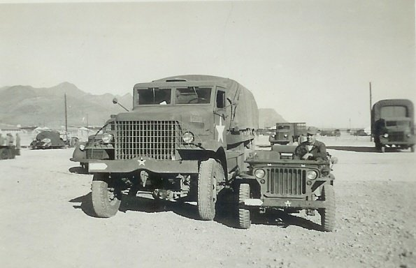 MB_Trucks_and_Jeep_FT_Bliss_1943.jpg.b9a021c112abb16f73642474b6a3b3ea.jpg