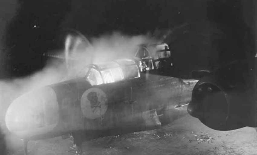 Northrop_P-61_Black_Widow_7AF_at_night.jpg