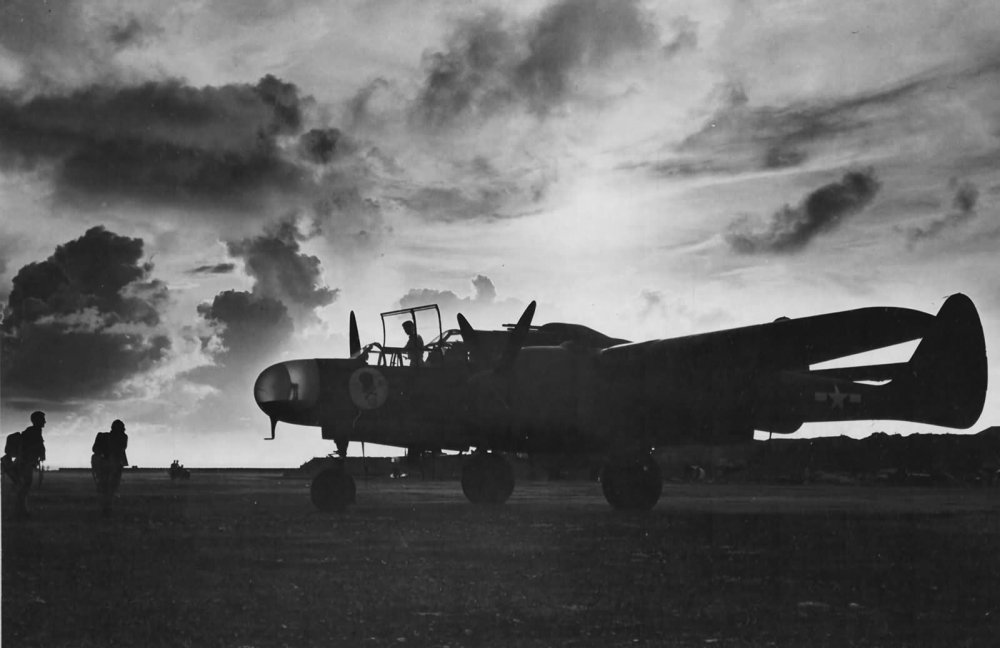 P-61A_42-5524-of_the_6th_Night_Fighter_Squadron_Saipan.jpg