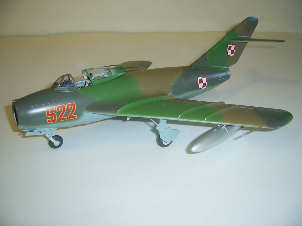 MIG17F-522-1.JPG