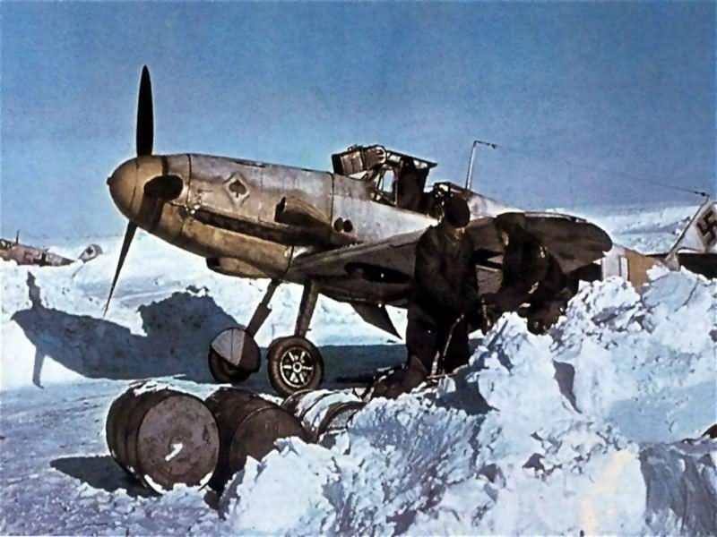 Messerschmitt_bf_109_color_JG53_pik_as.jpg
