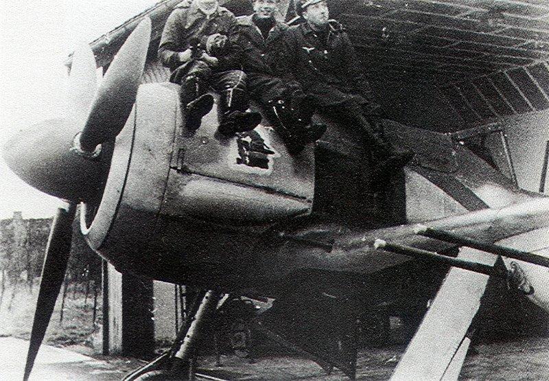 Aircrew-Luftwaffe-2.JG11-Black-13-Erich-Hondt-Michael-Widmann-and-Erich-Bartels-01.jpg