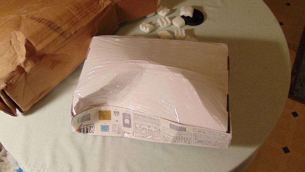box 003.jpg