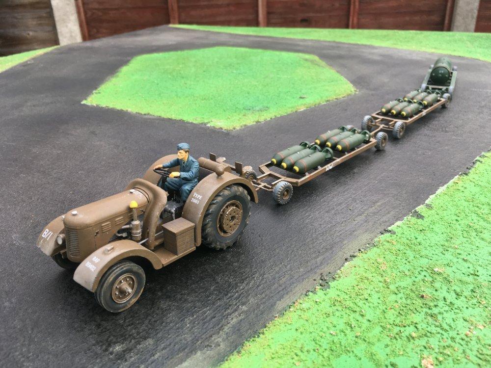 DB Tractor + bombs 1.JPG