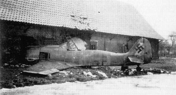 Focke-Wulf-Fw-190A8-II.JG1-Red-1-Alfred-Frische-WNr-739269-crash-landed-Ghent-Jan-1-1945-02.jpg.ba40aa7d9db520402206a8c292b828c4.jpg