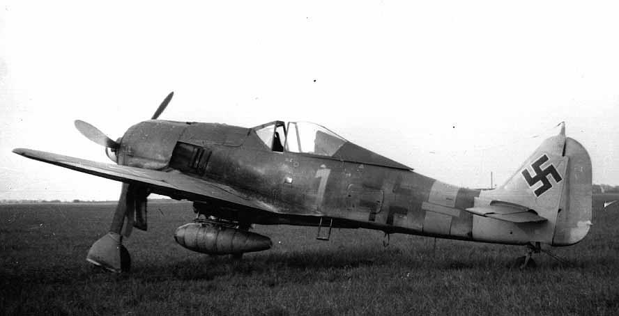 Focke-Wulf-Fw-190A8-II.JG1-Yellow-1-Denmark-1945-01.jpg.04683dc22bf57617697dbfac318b05bf.jpg
