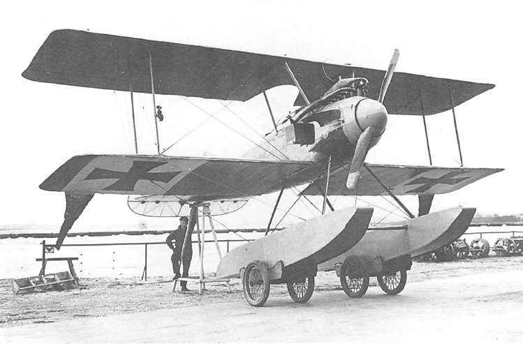 Albatros_W.IV_No747_02.jpg